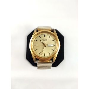 Vintage Gold Tone Pulsar Watch